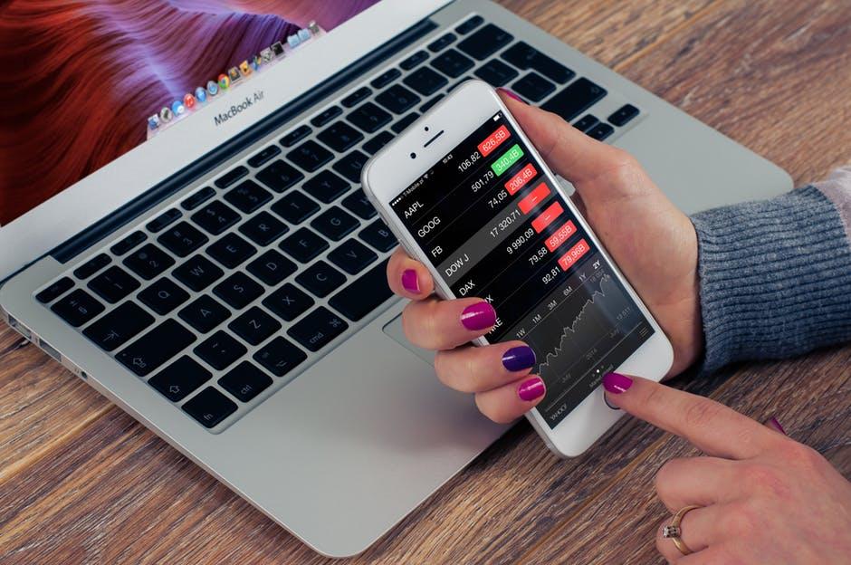 Sådan kan du blive klogere på penge- og aktiemarkedet